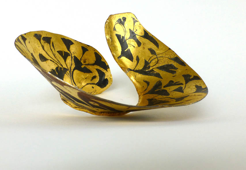 Biloba bracelet oxydized metal and gold leaf